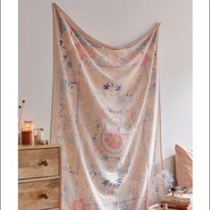 Kimset Folk Floral Tapestry (Pink)